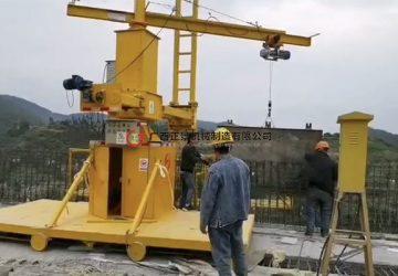 玉溪通海高速大桥防撞墙模板安装